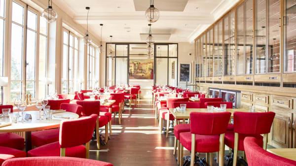 """Salle de l'étage - Restaurant """"La Brasserie des Monts d'Or"""", Saint-Cyr-au-Mont-d'Or"""