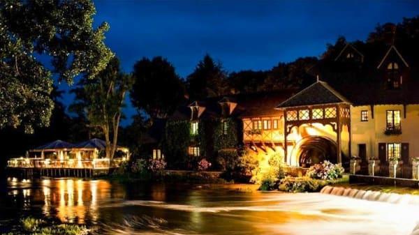 Apreçu de l'extérieur - Le Moulin de Fourges, Fourges