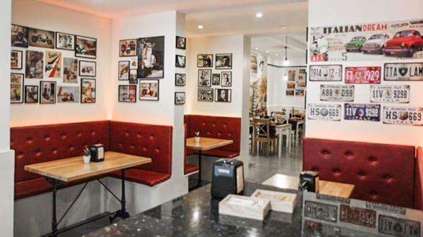Vista sala - Il Capriccio Pizzeria Ristorante, Barcelona