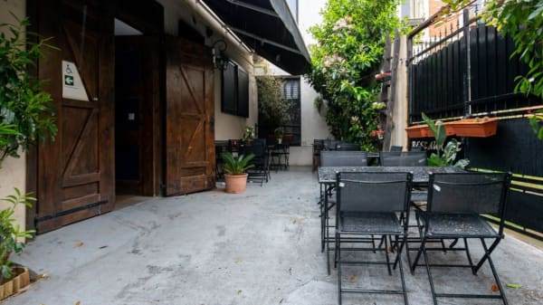 Intérieur - Chez Louise, Gentilly
