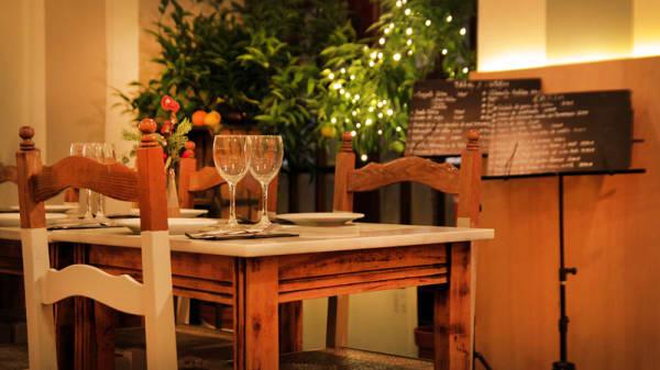 vista mesa y decoración - Casa Jaime, Barcelona