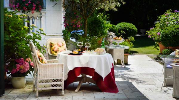 Tavoli in giardino - La Corte, Follina