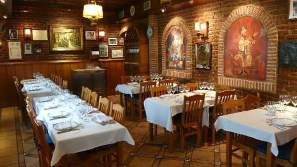 Sala del restaurante - Horno de Juan Argüelles, Madrid