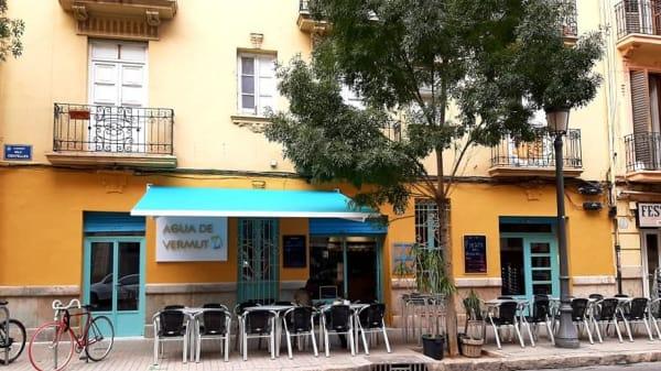 Terraza - Agua de vermut . Gastrobar, Vermutería, Valencia