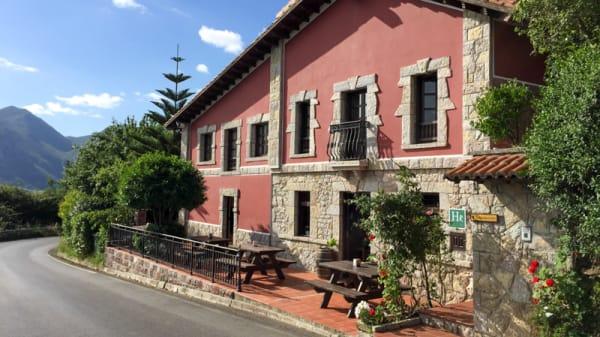 Vista Principal del Restaurante - Restaurante Hotel Rural La Curva, Ribadesella