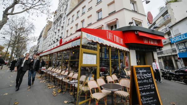 En devanture - Café d'Orleans, Paris