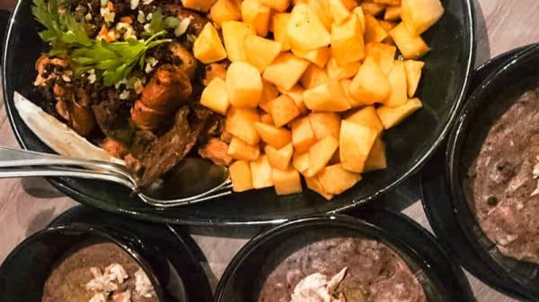 O Tripeiro pratos - Tripeiro, Porto