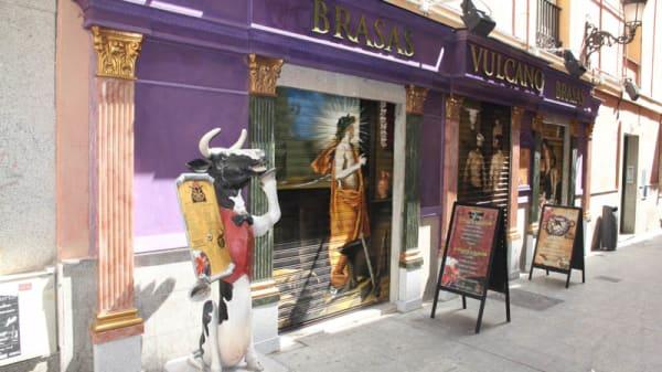 Vista entrada - Las Brasas de Vulcano, Madrid