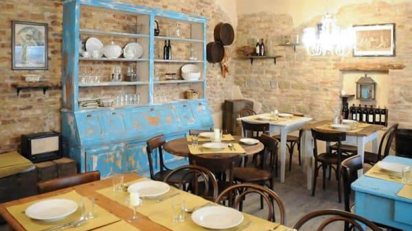 Sala del ristorante - Osteria della Peppa, Fano
