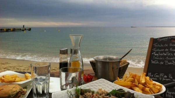 Table - Plage le Trident, Juan-les-Pins