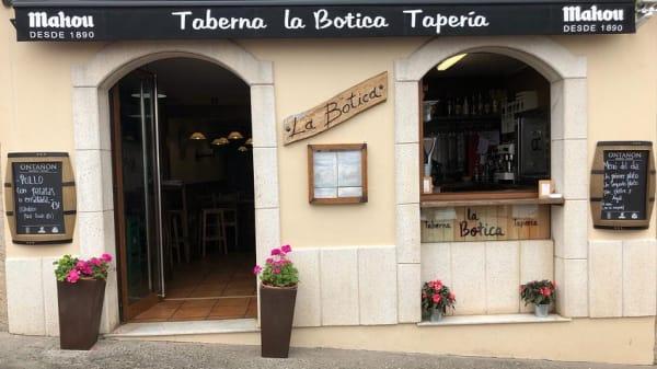 La Botica, Llastres