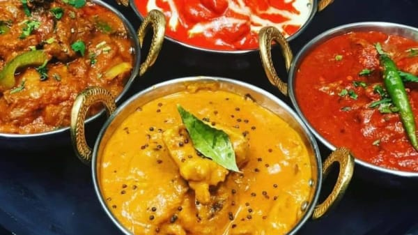 Course's Suggestion - Gourmet Curry Hut, Melbourne (VIC)