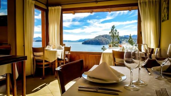 Vista del interior - Stag - El Restó de Charming, San Carlos de Bariloche