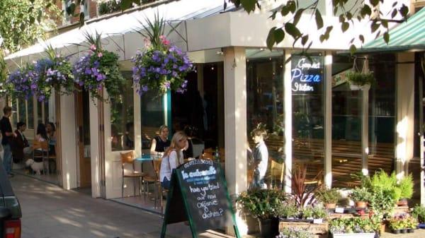Terrace - Le Cochonnet, London