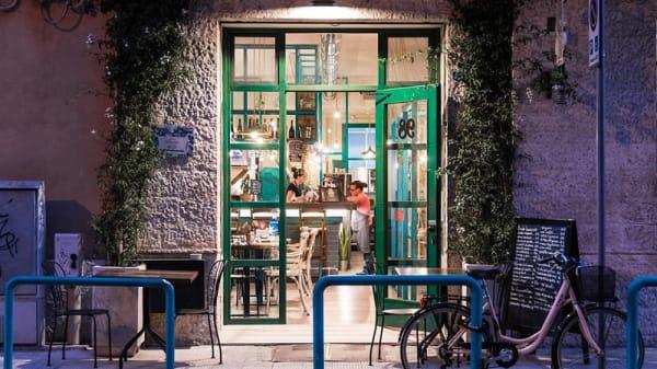 Entrata - 98rto, Bari