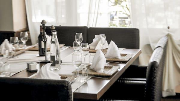Table dressée - Restaurant de la Paix, Chauffailles