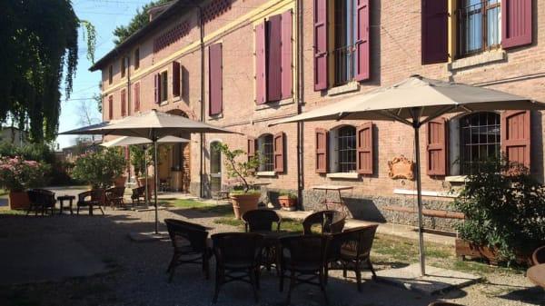 Esterno - Il Bove, Reggio Emilia