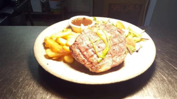 Mac's Irish Pub & Bistro, Kilmore