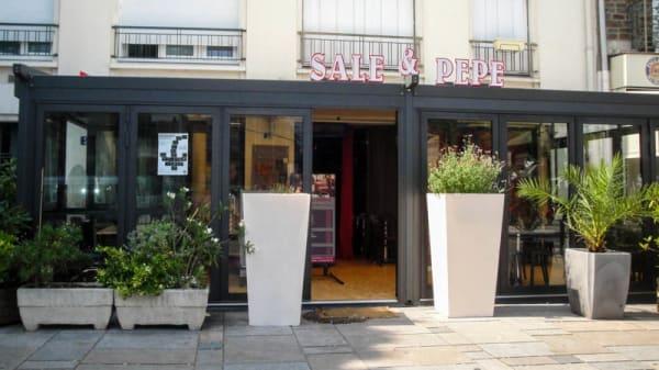 Sale e Pepe, Nantes