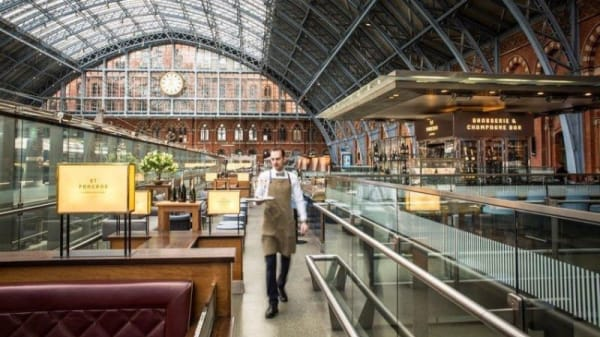 St Pancras Brasserie and Champagne Bar, London