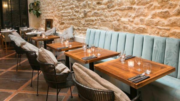 Vue de la salle - Le Café des Bains, Paris