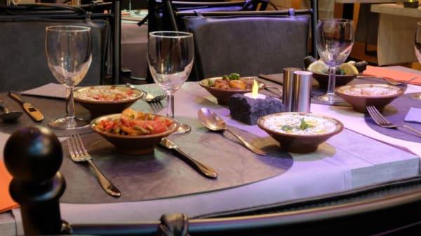 Table - Marroush, Genève