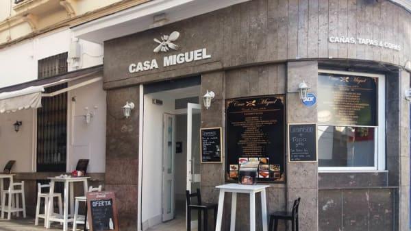 Entrada - Casa Miguel, Córdoba