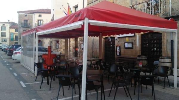 Bar Restaurante Piqueras, Almarza