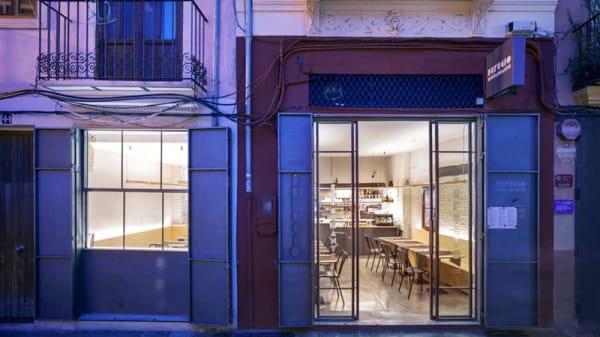 Entrada - Refugio, Valencia