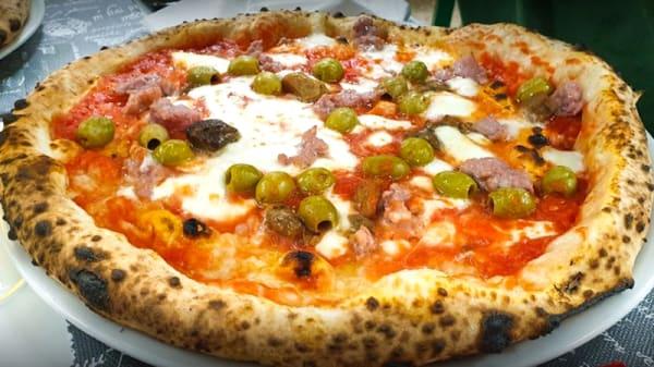 Piatto - U Segret e Pulicinella, Pavia