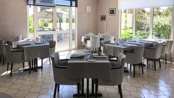 Salle du restaurant - Les Orchidées, Verdun