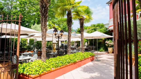 terrasse - La Table des 12, Collonges-au-Mont-d'Or