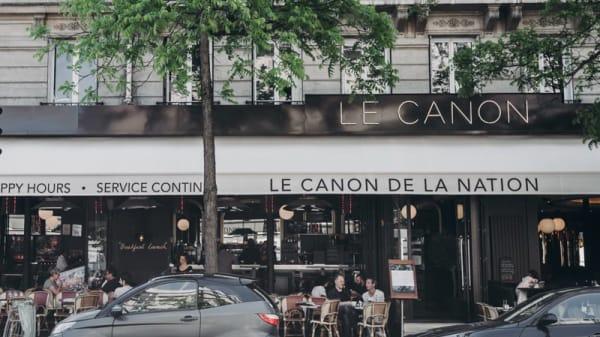 Devanture - Le Canon de la Nation, Paris
