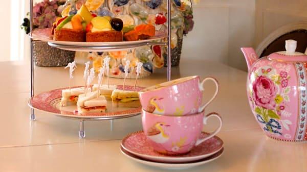 High tea - Bubbles & Blessings, Bilthoven