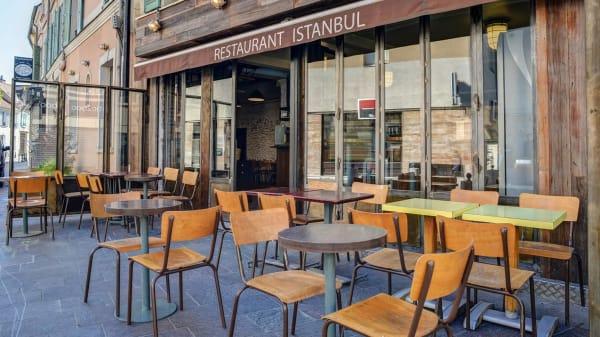 Aux Portes d'Istanbul, Nanterre
