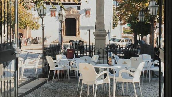 Terraza - Ocaña, Granada