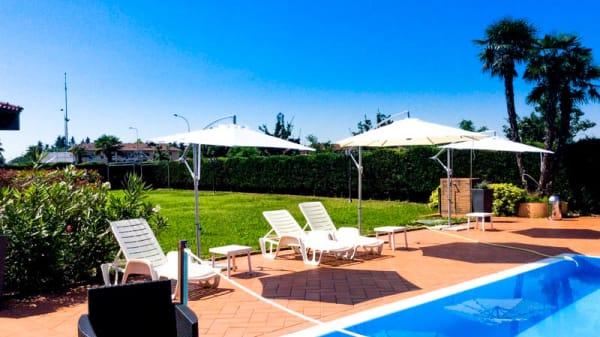 Terrazza con piscina - Le palme, Cusago