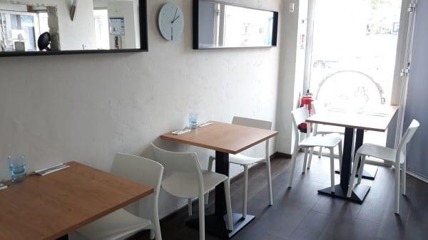 Salle - Take It Easy Family Café, Étampes