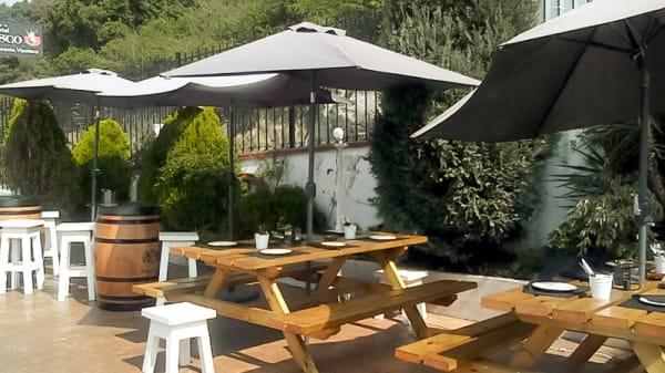 Vinoteca Exterior - Picoteo Risco Cantabria Experience, Laredo