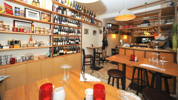la cave et l'épicerie - Le Pot de Vins, Paris