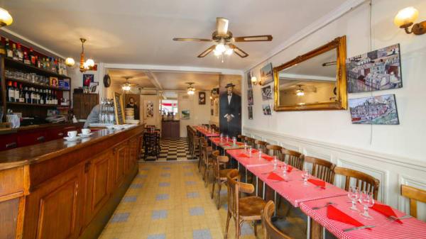 Vue du bar et de la salle - Le Vieux Belleville, Paris