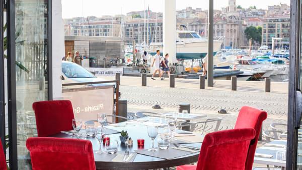 Vue depuis la salle - Au Vieux Port, Marseille
