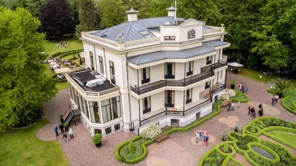 Ingang - Kasteel De Vanenburg, Putten