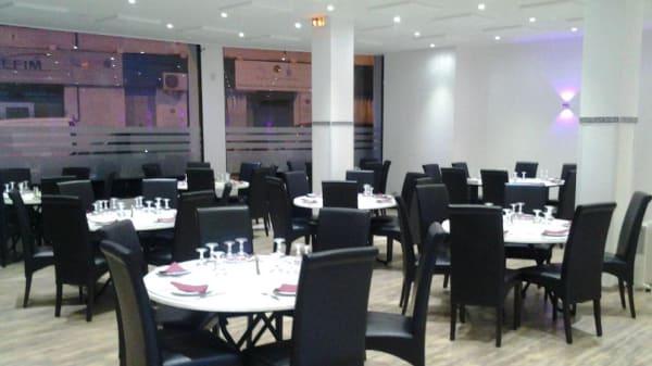 Restaurant - W World Restaurant, Bron