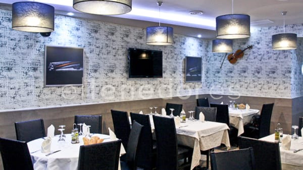 El restaurante - La Dehesa II, Madrid