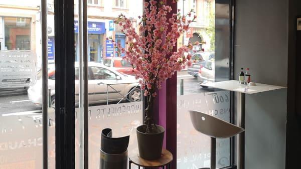 Vue de la salle - Eat Sushi - Place Dupuy, Toulouse