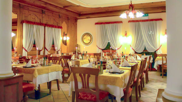 Veduta dell interno - Taufer Restaurant, San Martino di Castrozza