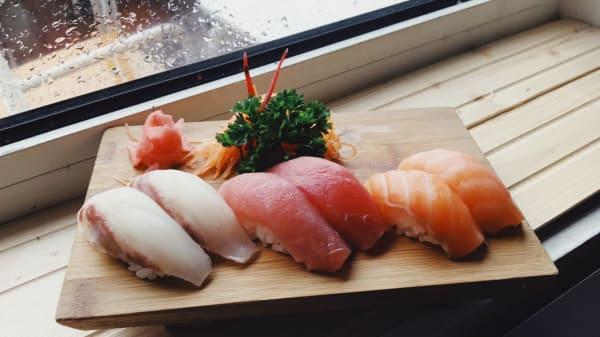 sushi - Pé na Poça, Estoril