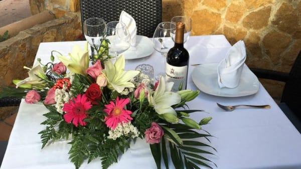 Detalle mesa - El Salmón, Palmanova