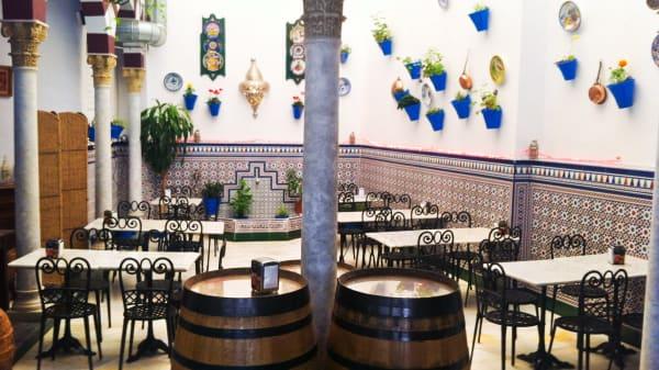 Detalle mesas - Taberna D´Ucles, Córdoba